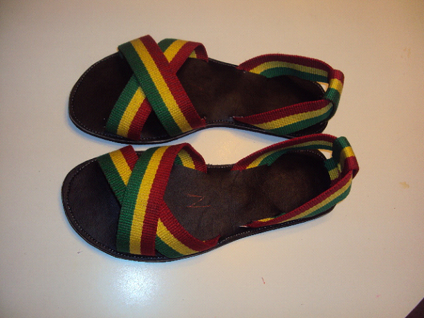 Clue Plat Jamaica Rasta Black Sandals